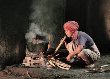 Hasil gambar untuk api kayu bakar